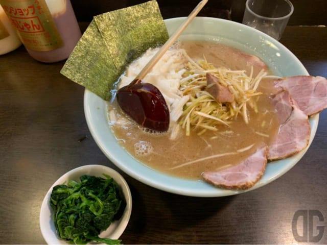 ネギとろラーメン+チャーシュウ+ほうれん草